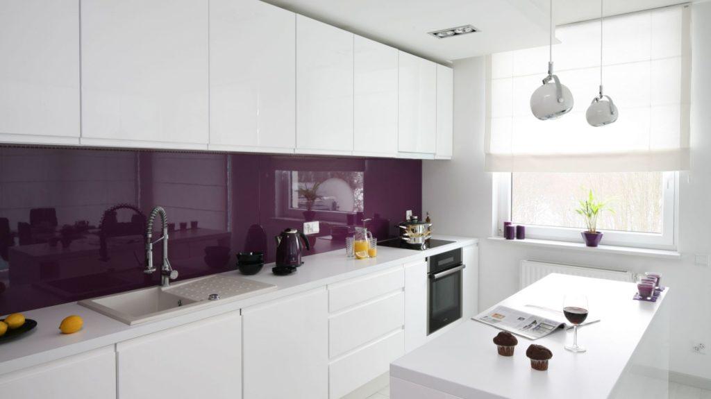 szklana ściana w kuchni