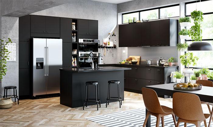 otwarta kuchnia na wymiar w czarnym kolorze